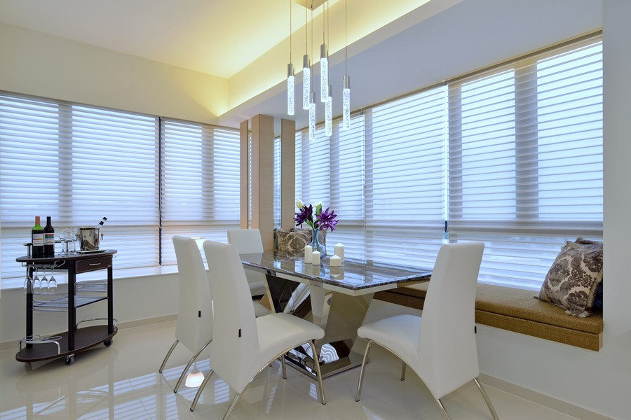 Modern DIning Table In Bright Apartment By KNQ Associates