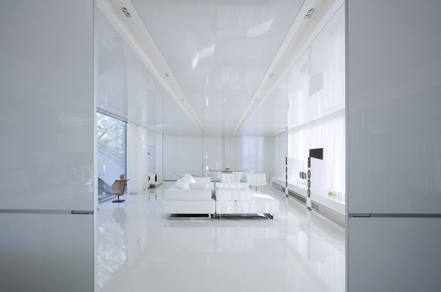 White living room in an Impressive Ultra Modern House in Athens
