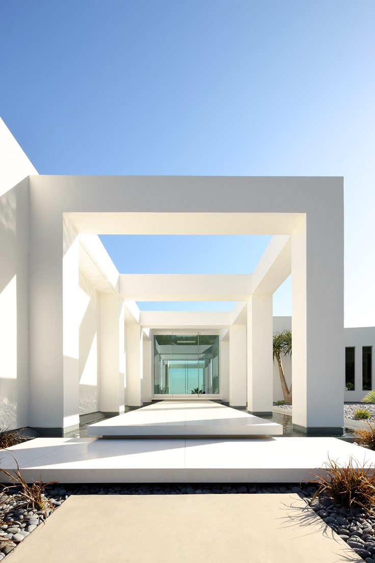 40 modern entrances designed to impress architecture beast for Minimalist hotel design