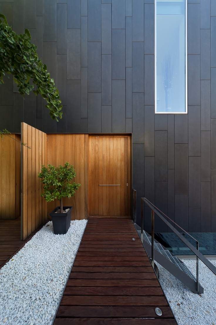 40 modern entrances designed to impress architecture beast for Puertas para casas minimalistas