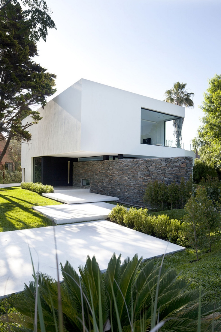 40 modern entrances designed to impress architecture beast for Modern villa architecture