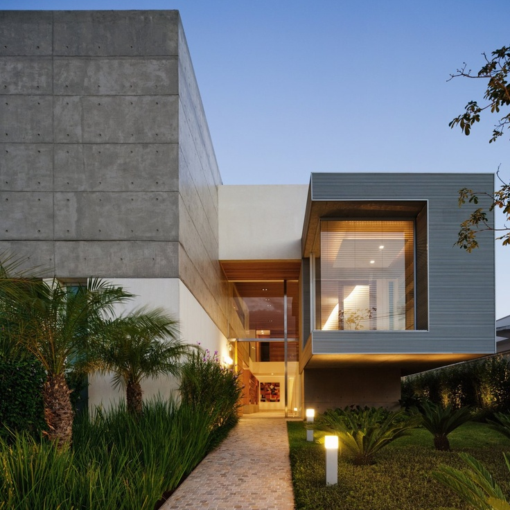 40 modern entrances designed to impress architecture beast for Outer look of house design