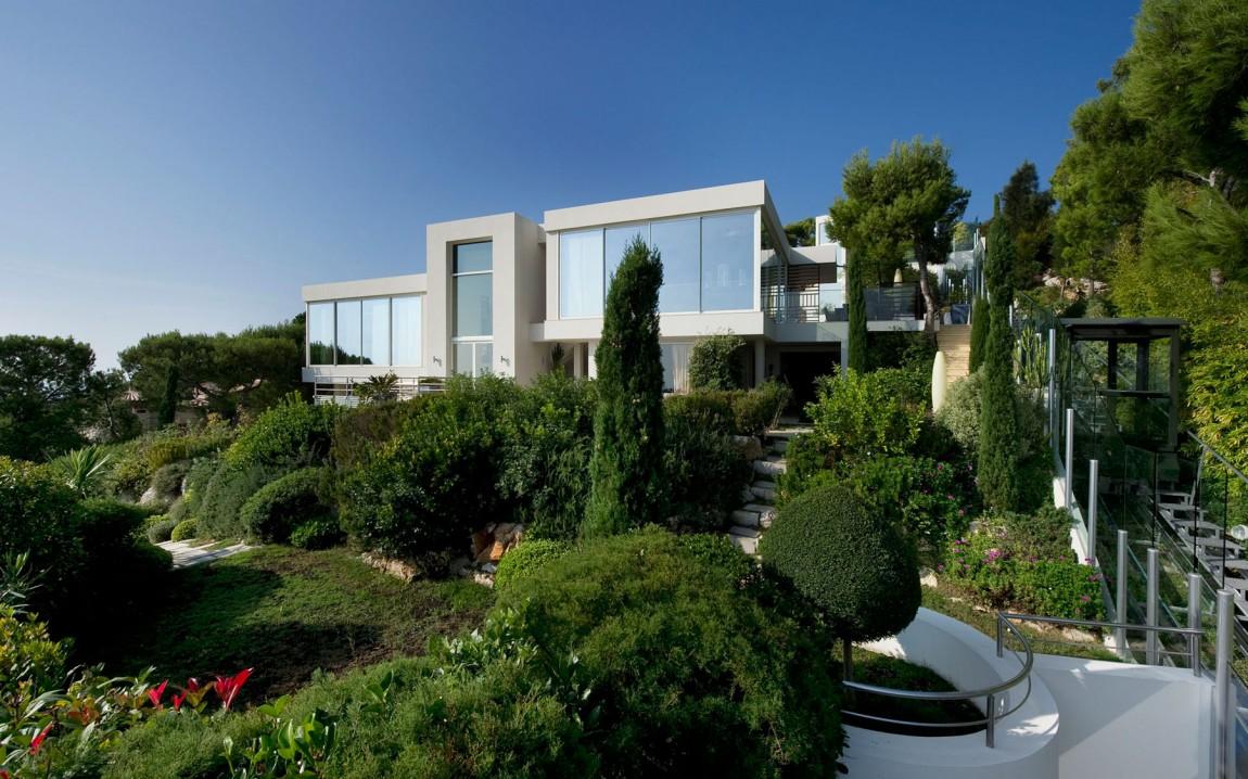 Landscape around the dream home