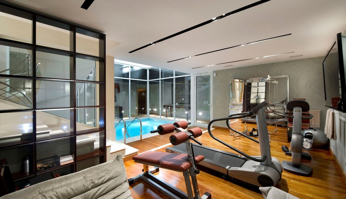 Colorful home gym decorating ideas