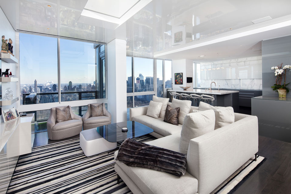Gorgeous modern apartment above the new york city for Design salotti