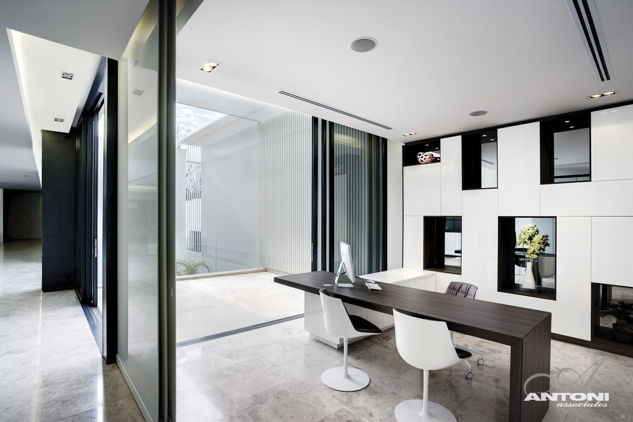 Modern mansion with perfect interiors by saota for Home office fitout