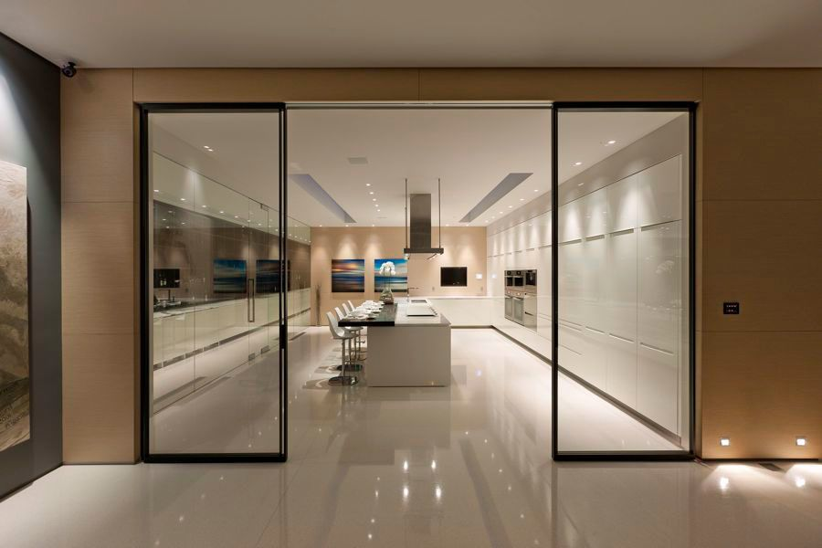 Large minimalist kitchen