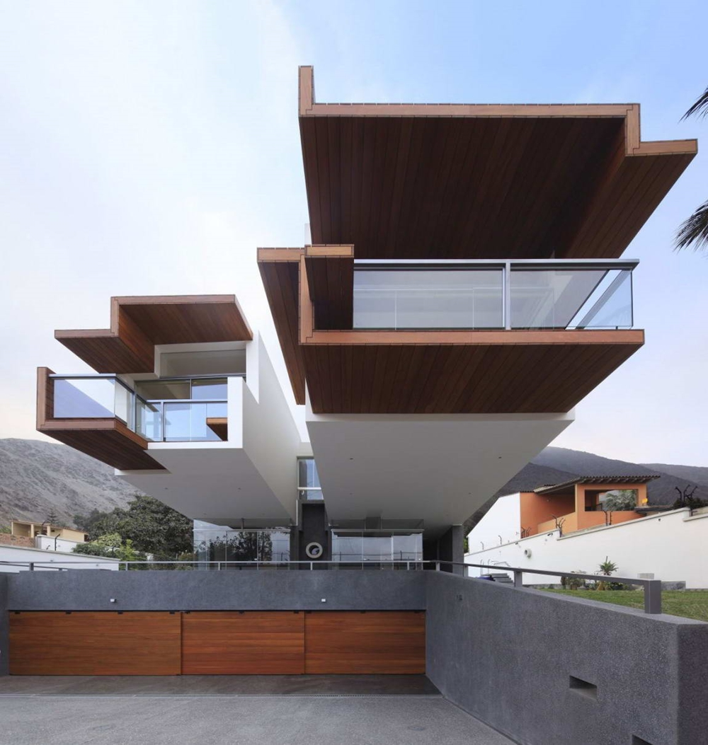 Extreme shape of modern home