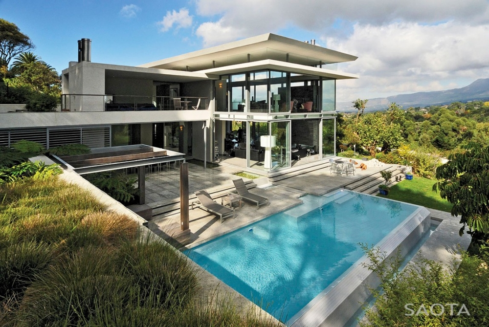 Modern home and swimming pool