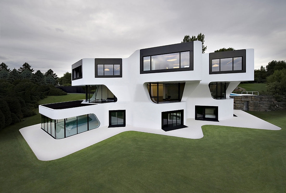 Lovely Futuristic Modern Home