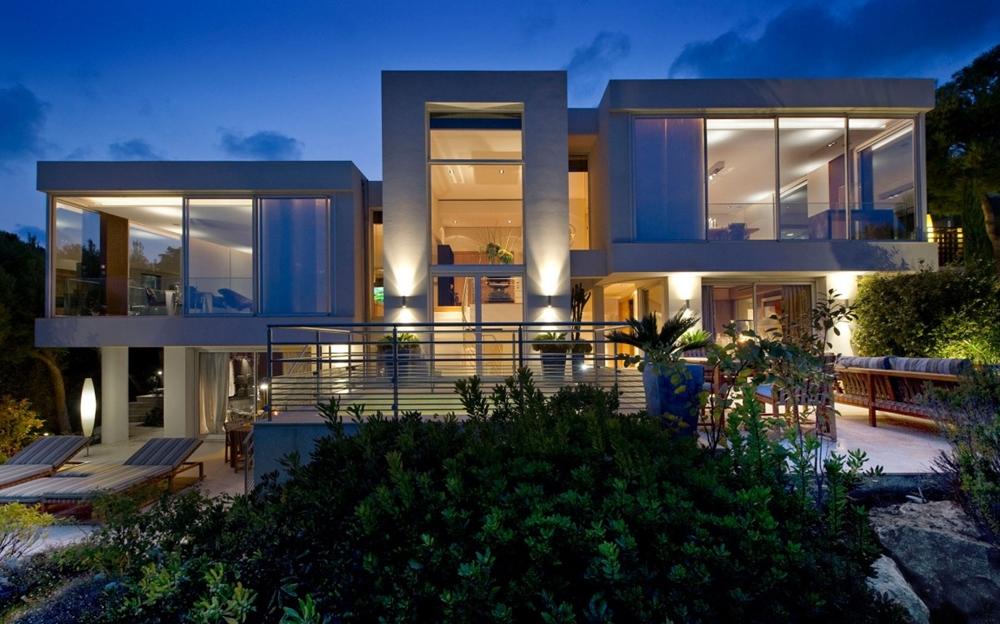 Modern house design at night