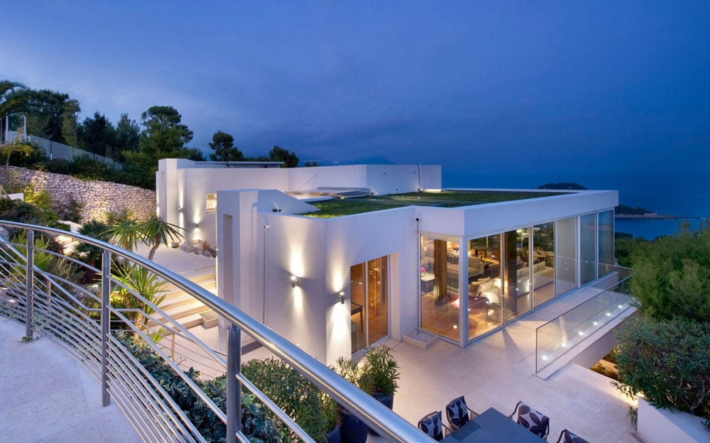 contemporary facade at night - Contemporary Luxury Homes