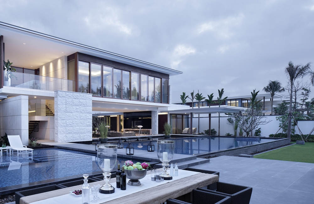 Luxury Ultra Modern Homes. Outdoor Living Space And Modern Home Luxury  Ultra Homes U