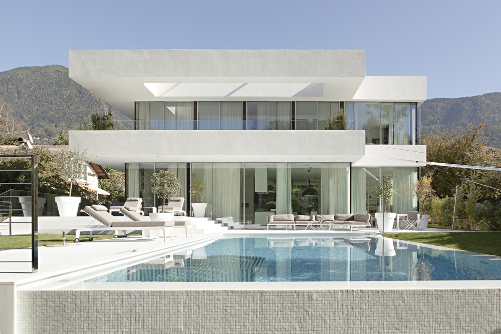 Swimming Pool And Modern Home White Facade House M One Of The Most Beautiful Houses In World