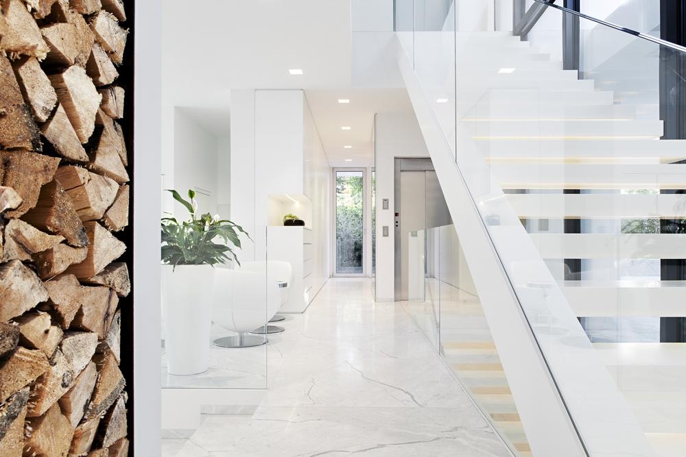 Hành lang trắng hiện đại