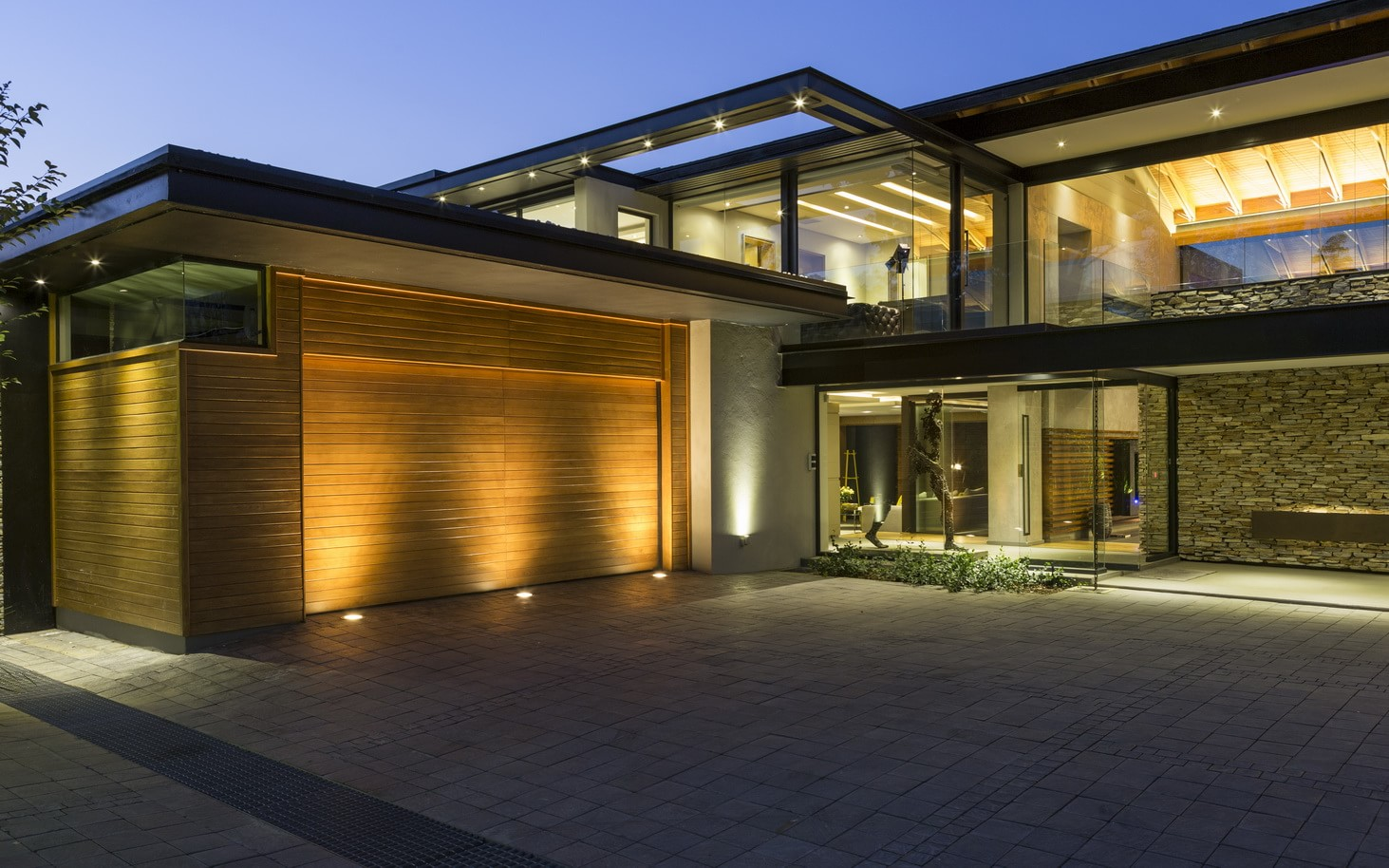 Contemporary house in blair athol south africa for Contemporary mansions