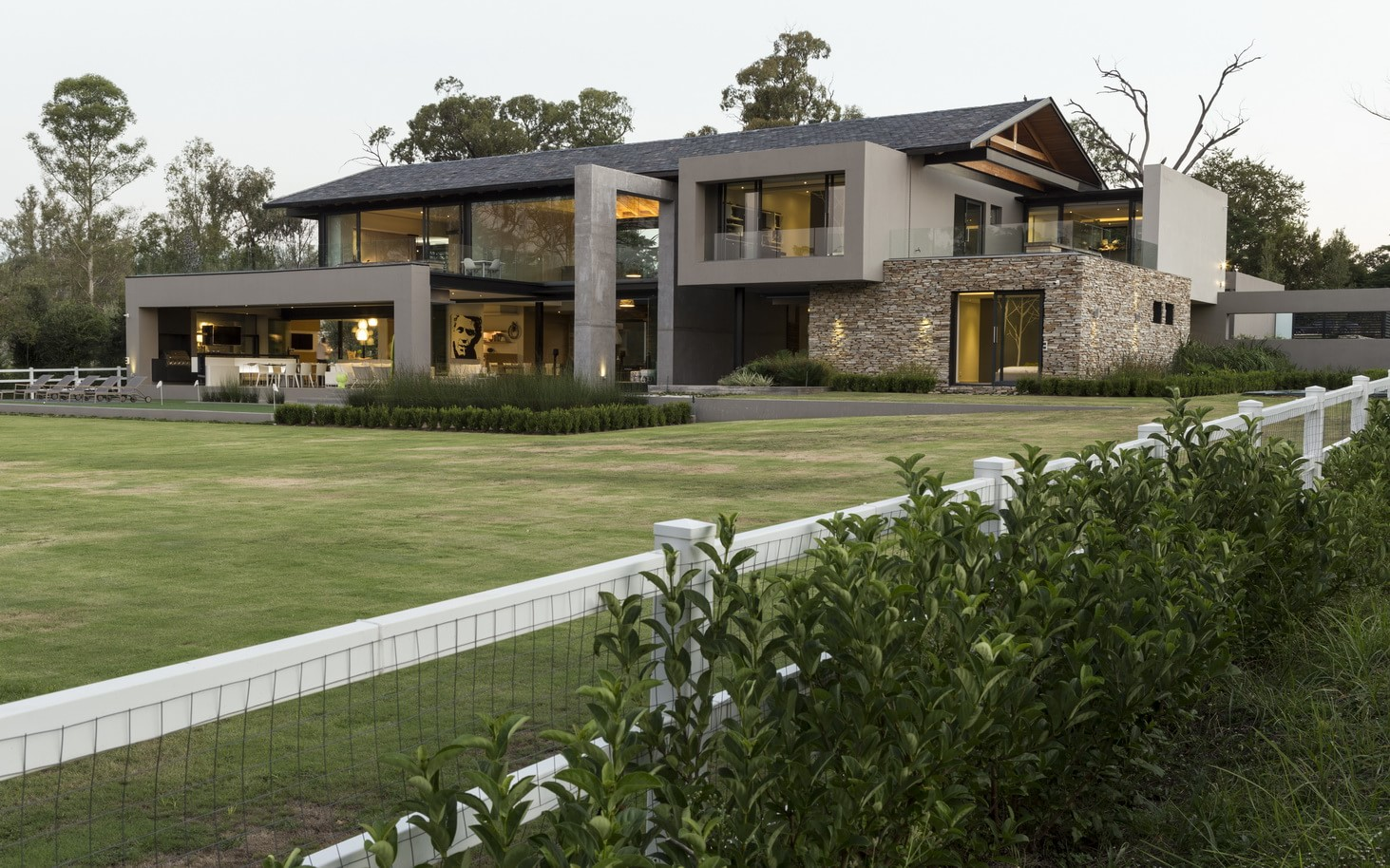 Contemporary house in blair athol south africa for Modern house plans 2015