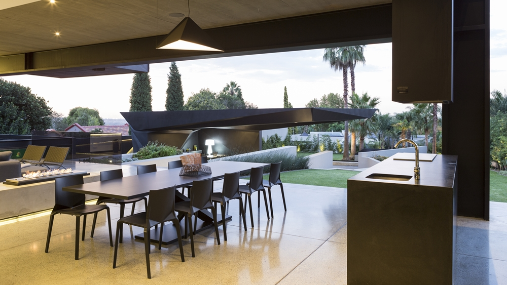 Terrace view in Kloof Road House