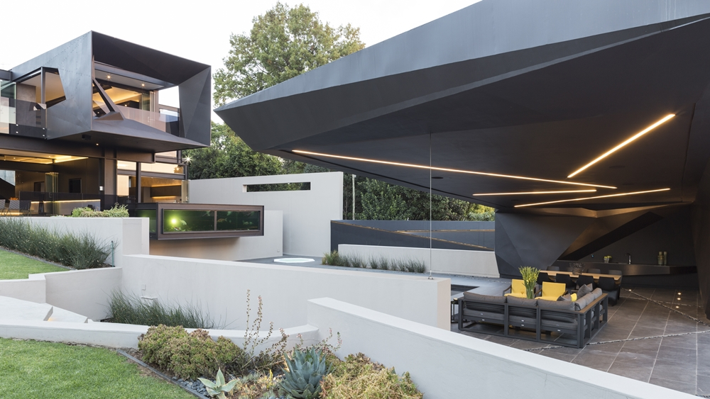 Best houses in the world amazing kloof road house for Most modern house in the world