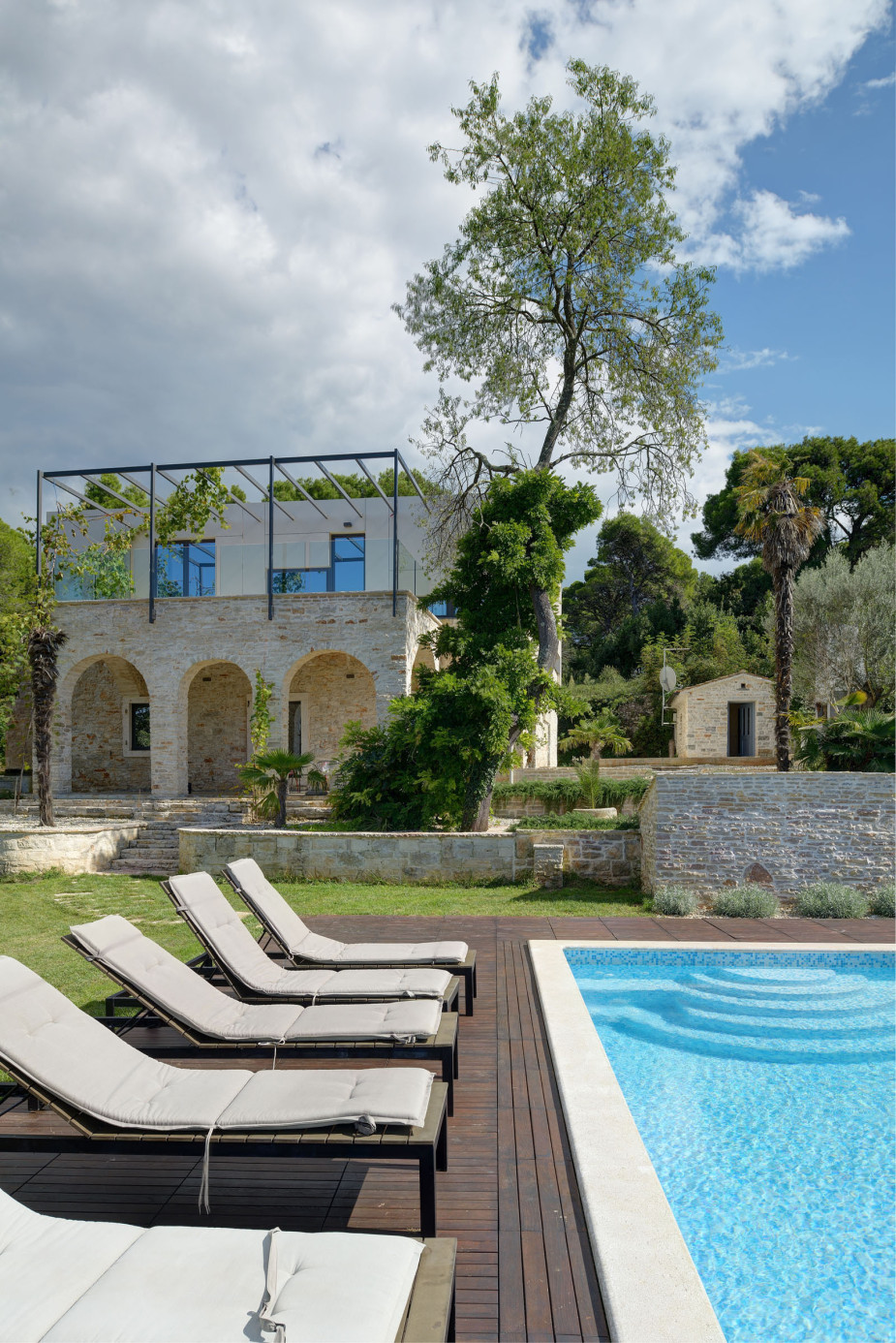Mediterranean villa in ancient croatian town for Mediterranean villa architecture
