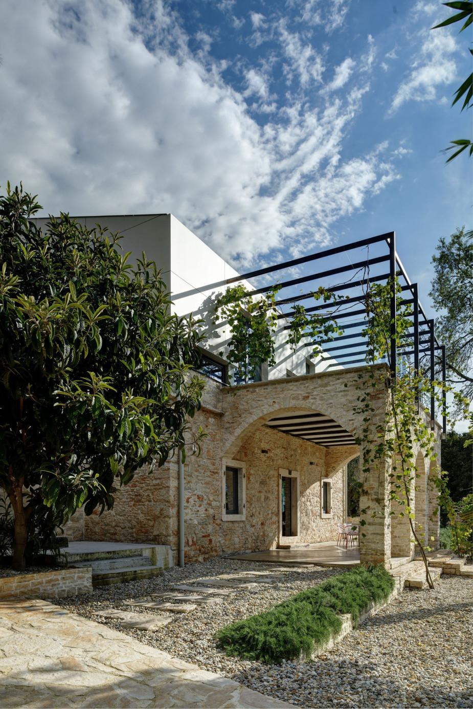 Mediterranean Villa In Ancient Croatian Town