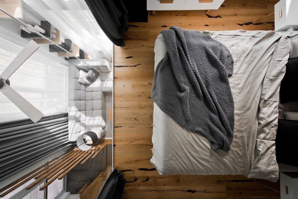 Small modern bedroom by InArch