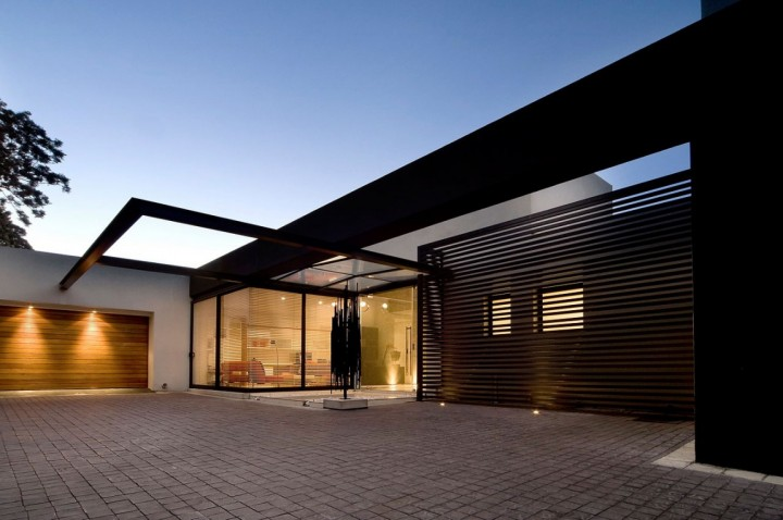 Awesome houses: Mosi residence by Nico van der Meulen ...