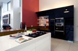 Modern kitchen in Mosi residence by Nico van der Meulen Architects