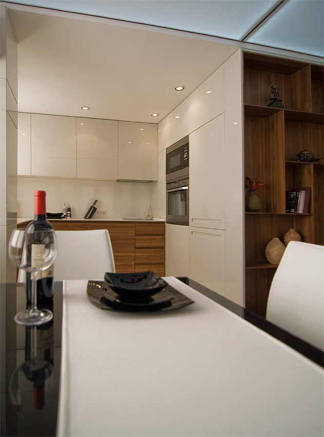 Small apartment dining area by Fimera