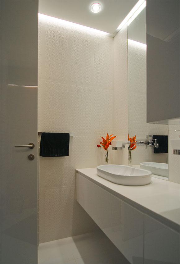 Small bathroom by Fimera