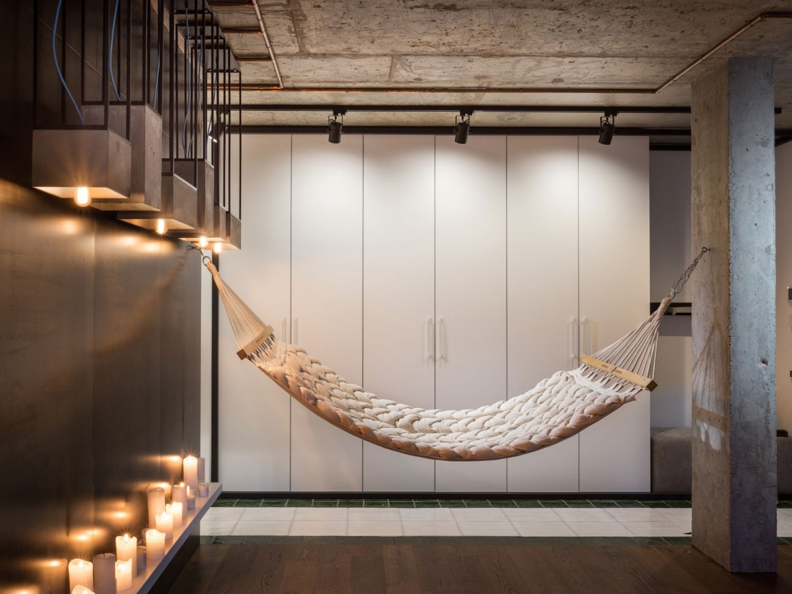 Interior hammock by SVOYA Studio
