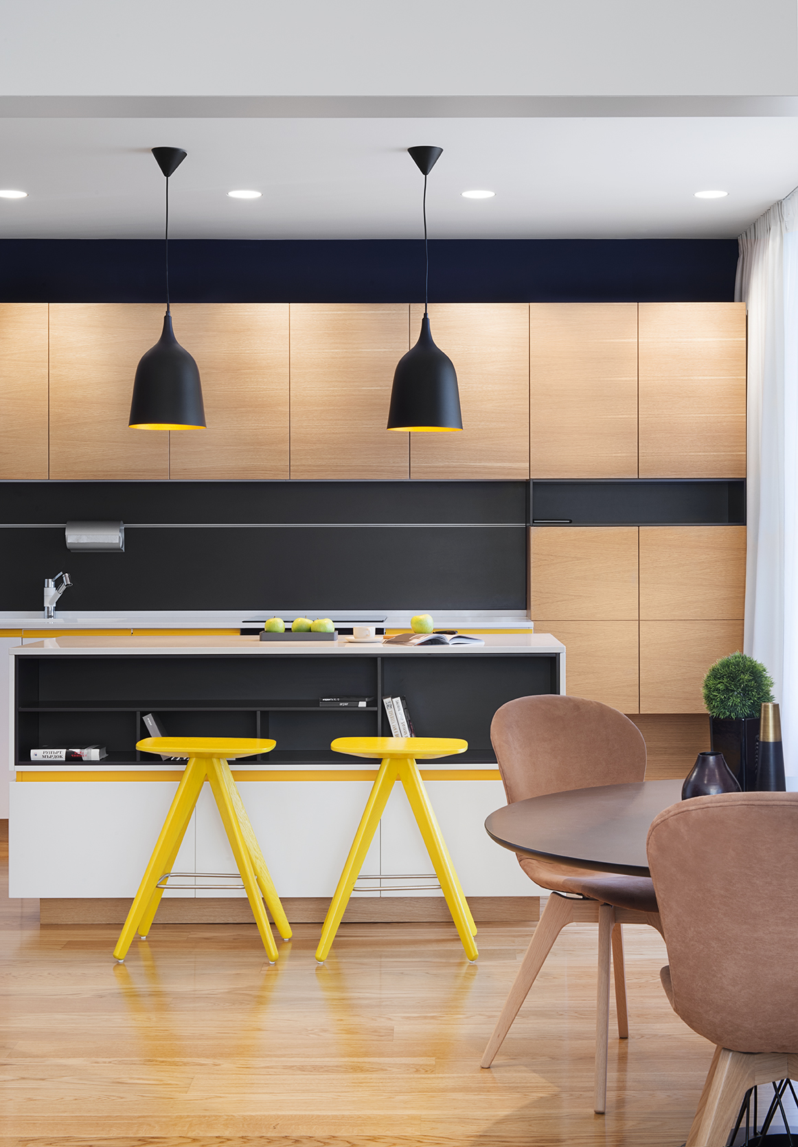 Small apartment design modern elegance by fimera for Modern apartment kitchen design