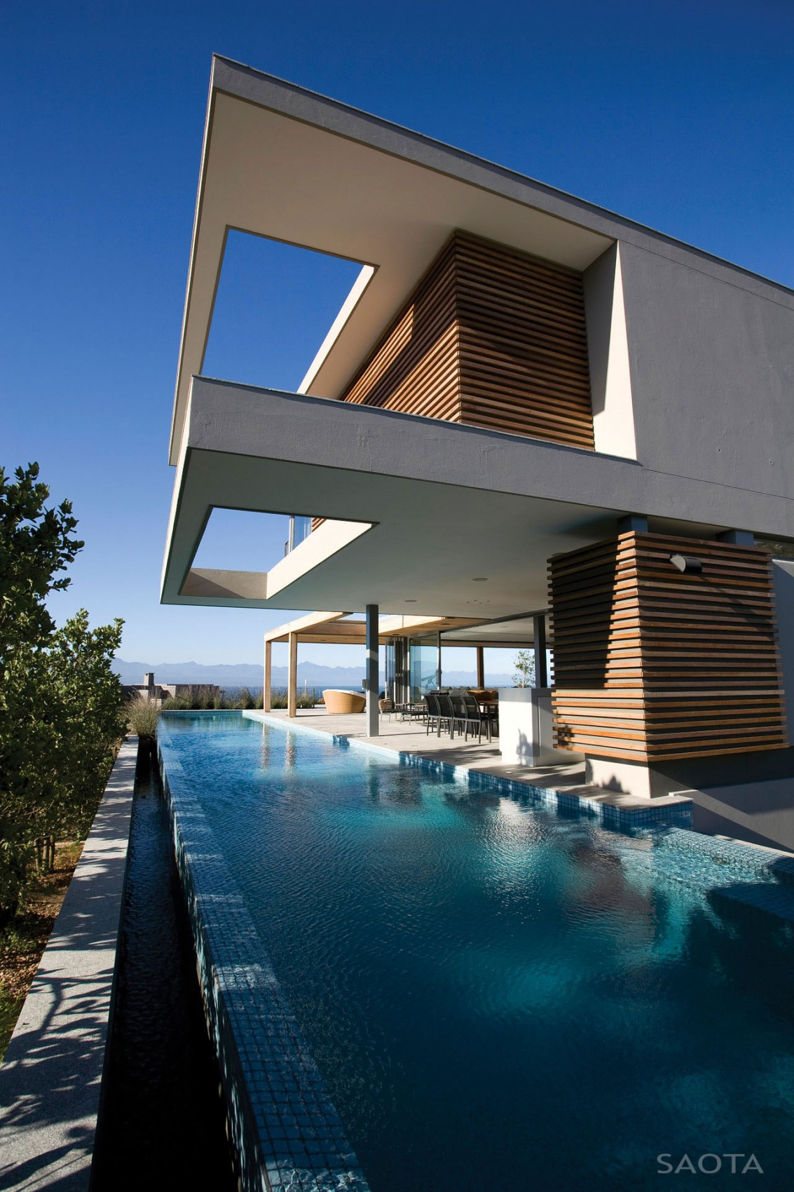 Terrace design which defines an amazing modern home ... Modern Architecture