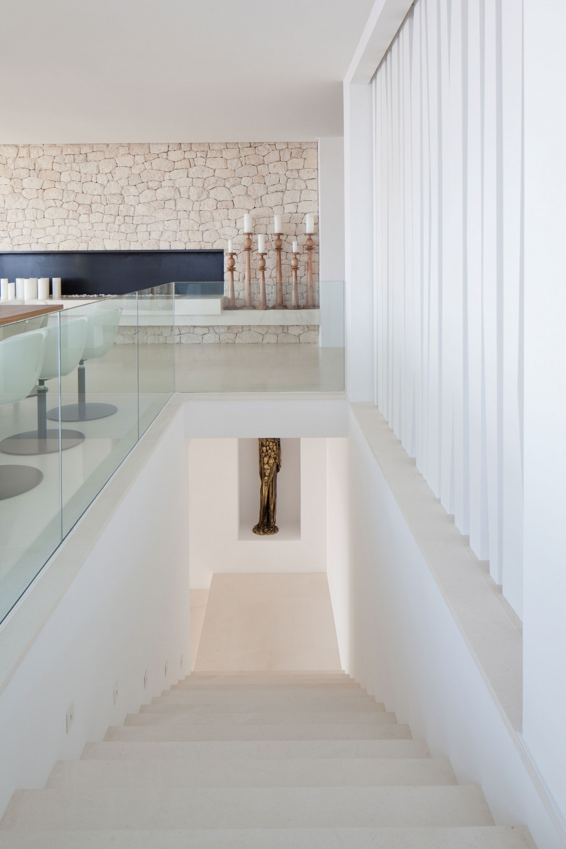 Staircase in modern villa Roca by SAOTA