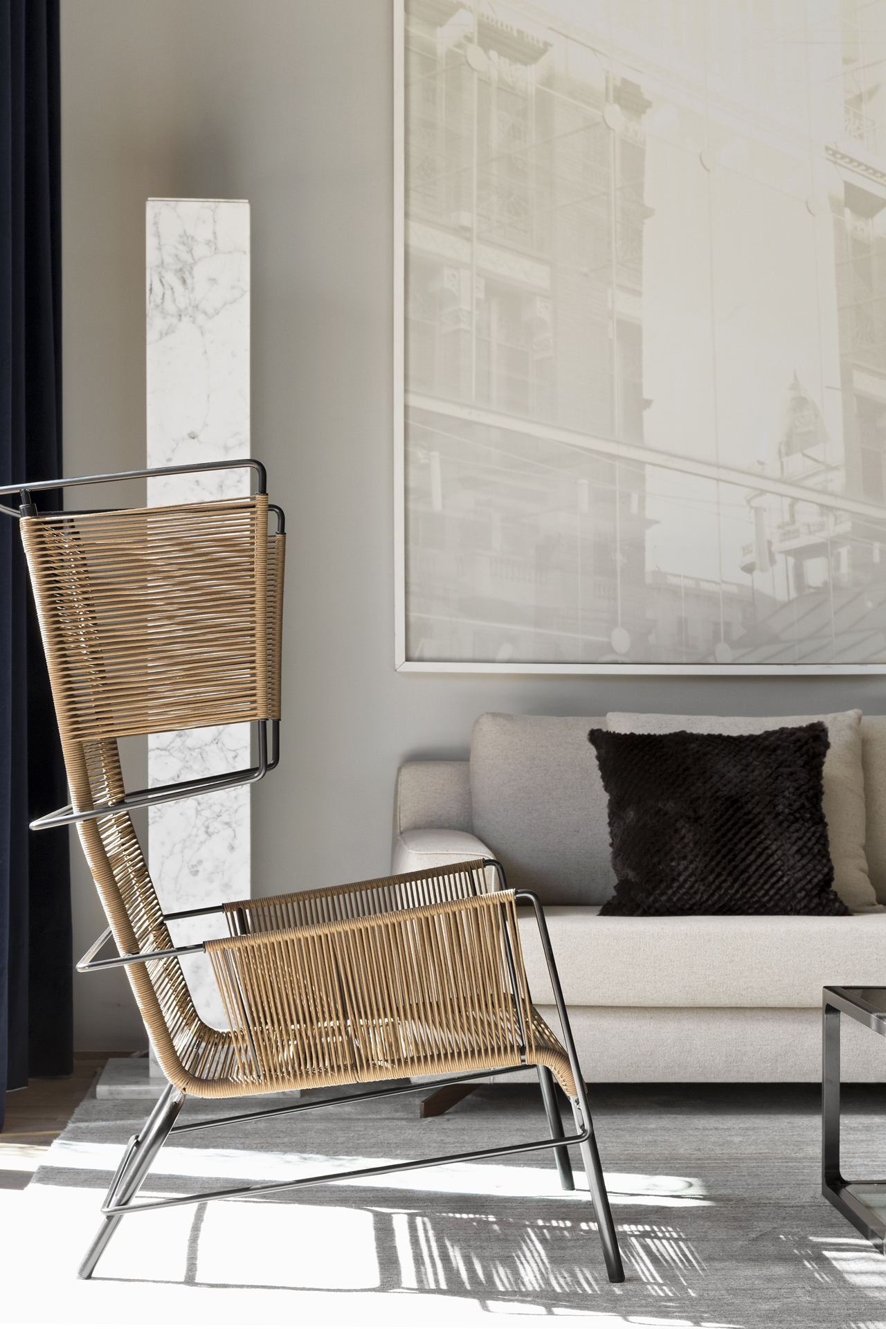 Industrial design chair in Itacolomi 445 apartment by Diego Revollo