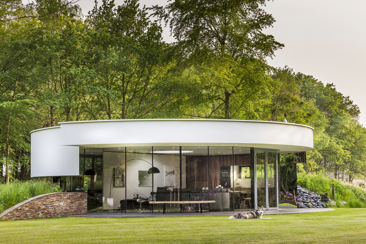 Circular villa by 123DV