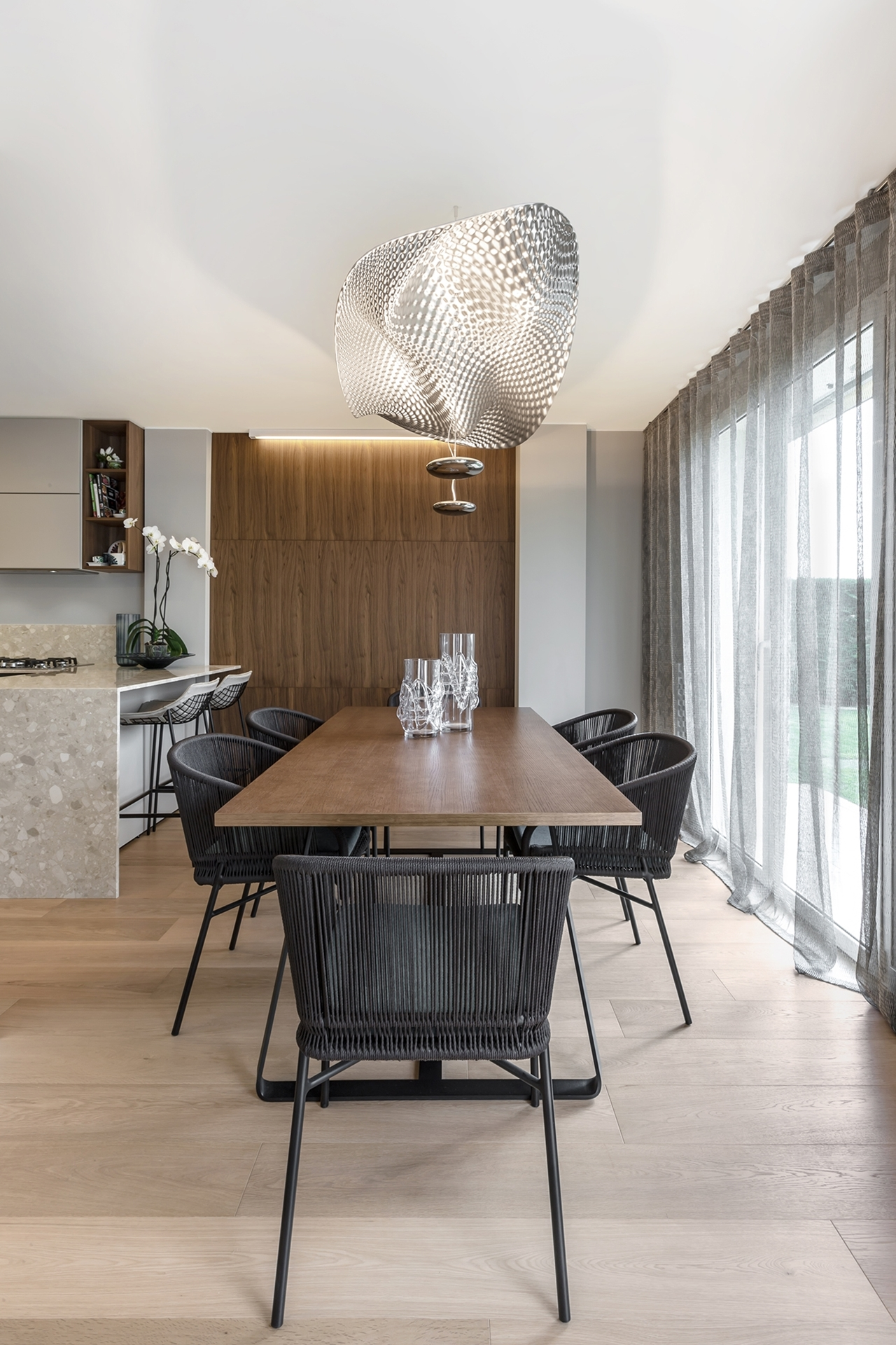 Dining room by NG Studio