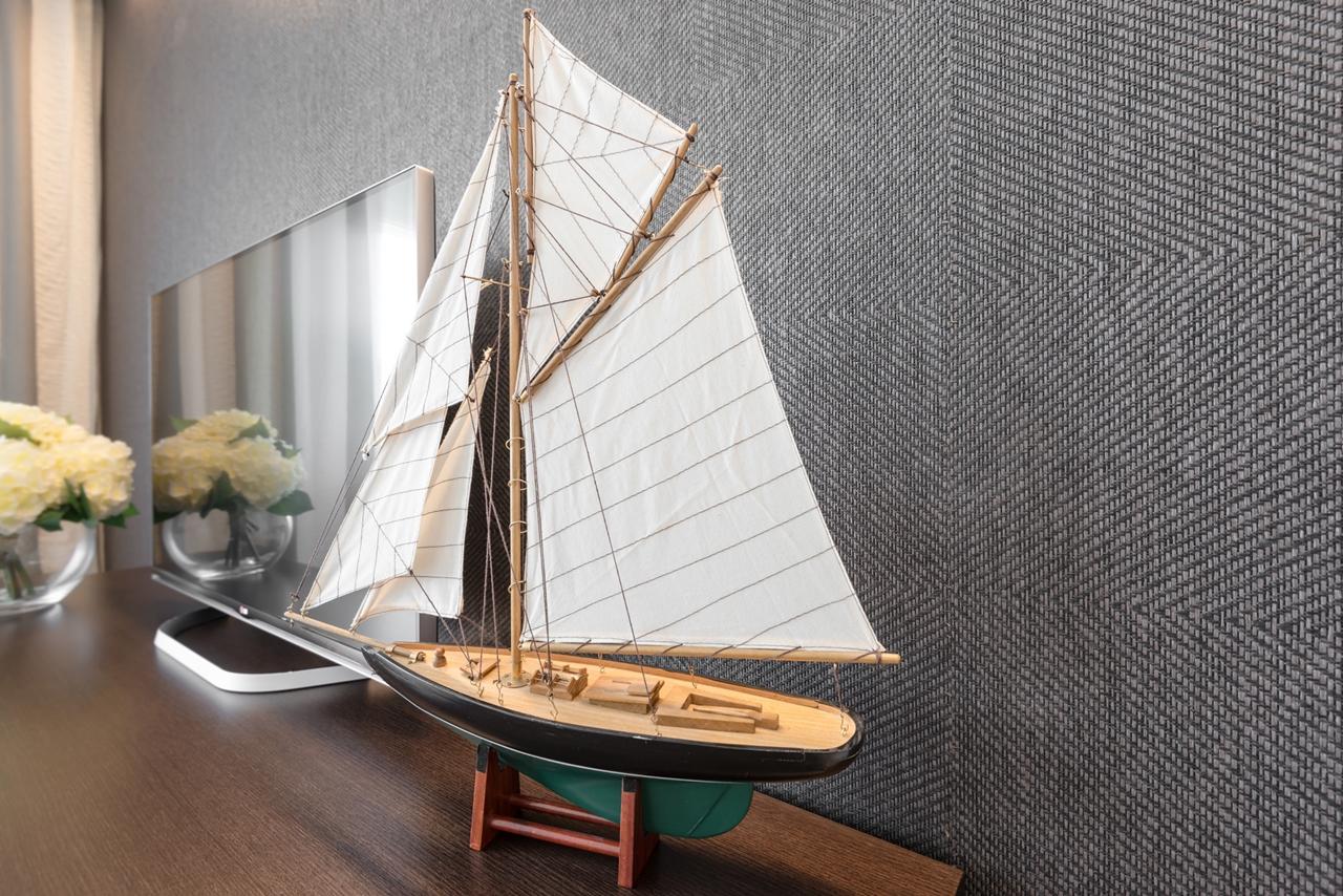 Sailboat sculpture by NG Studio