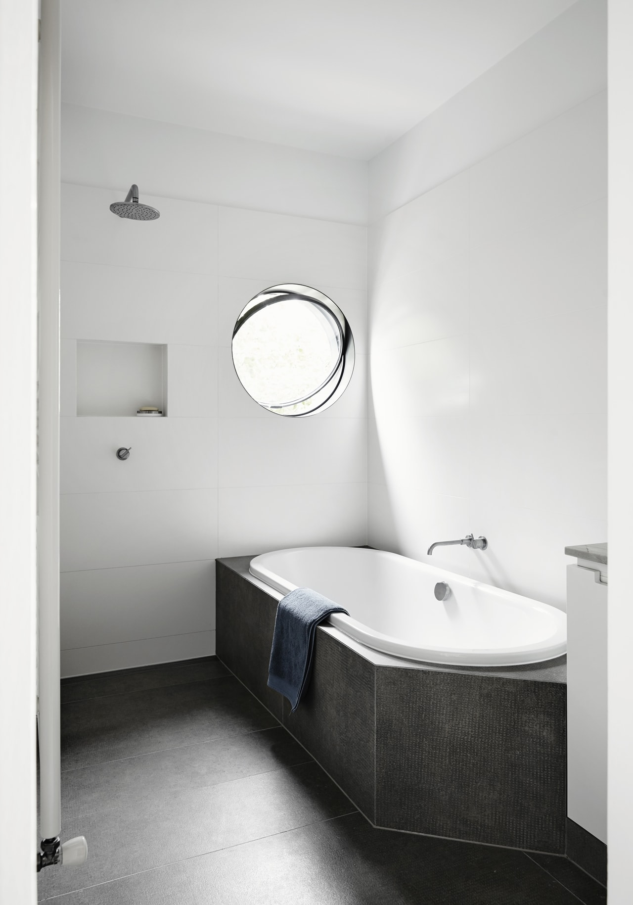 White bathroom by Austin Maynard Architects
