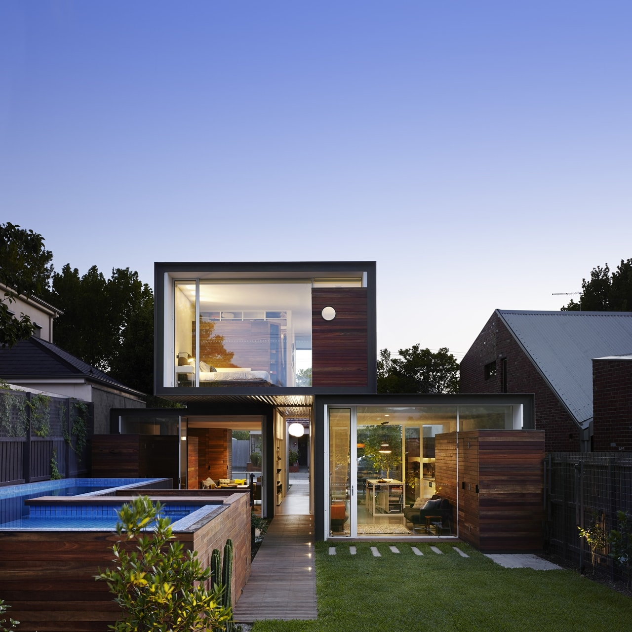 Backyard facade of open house by Austin Maynard Architects