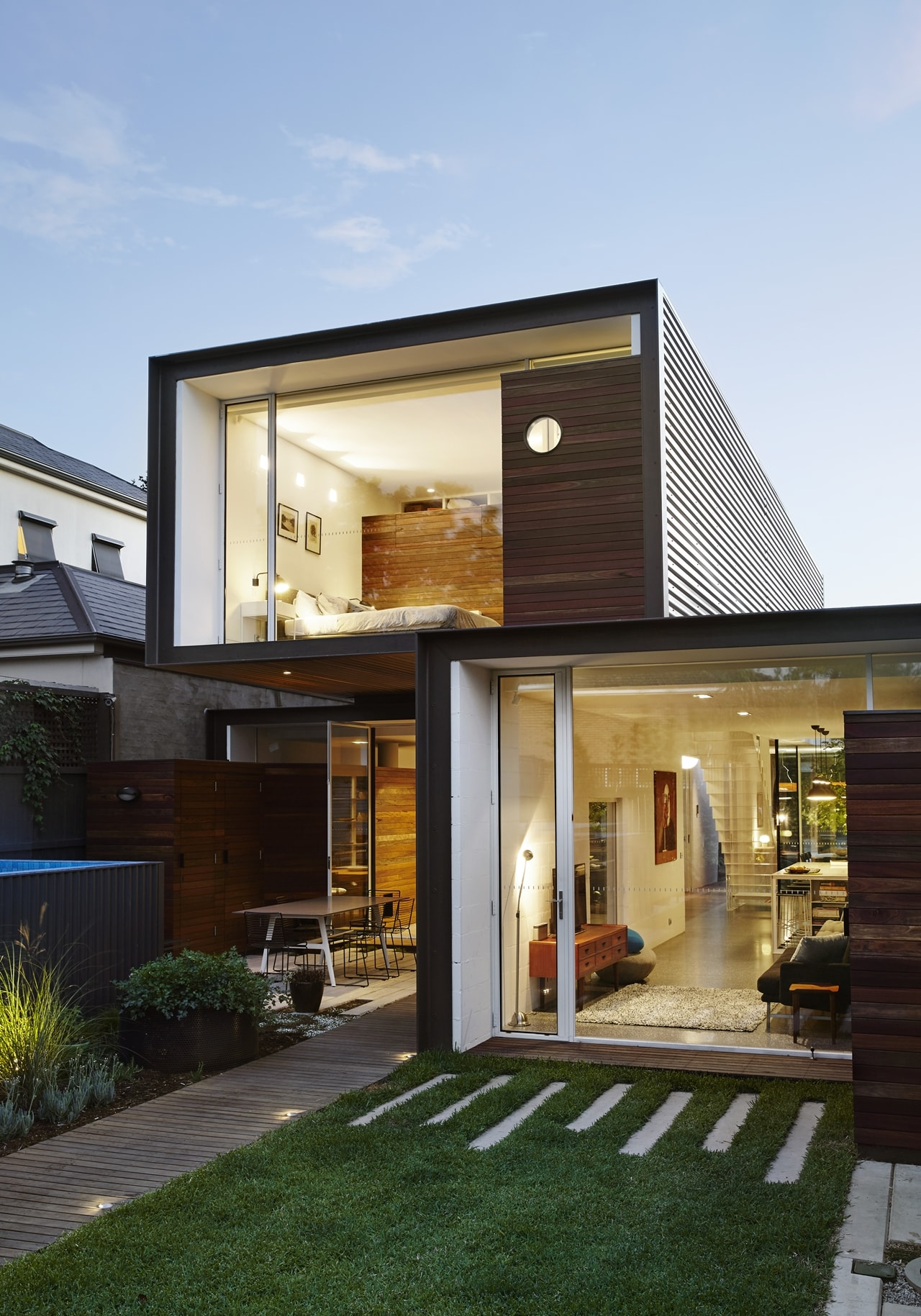 Modern facade on open house by austin maynard architects