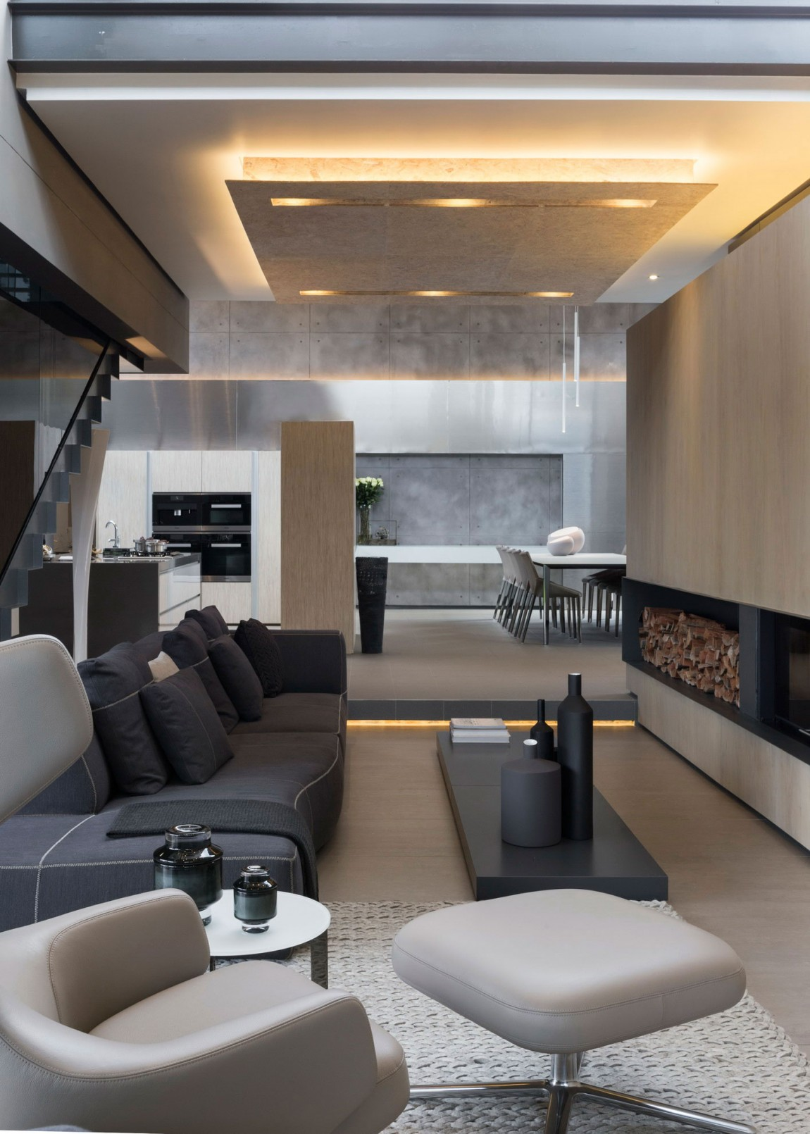Living room in House Sar by Nico van der Meulen Architects