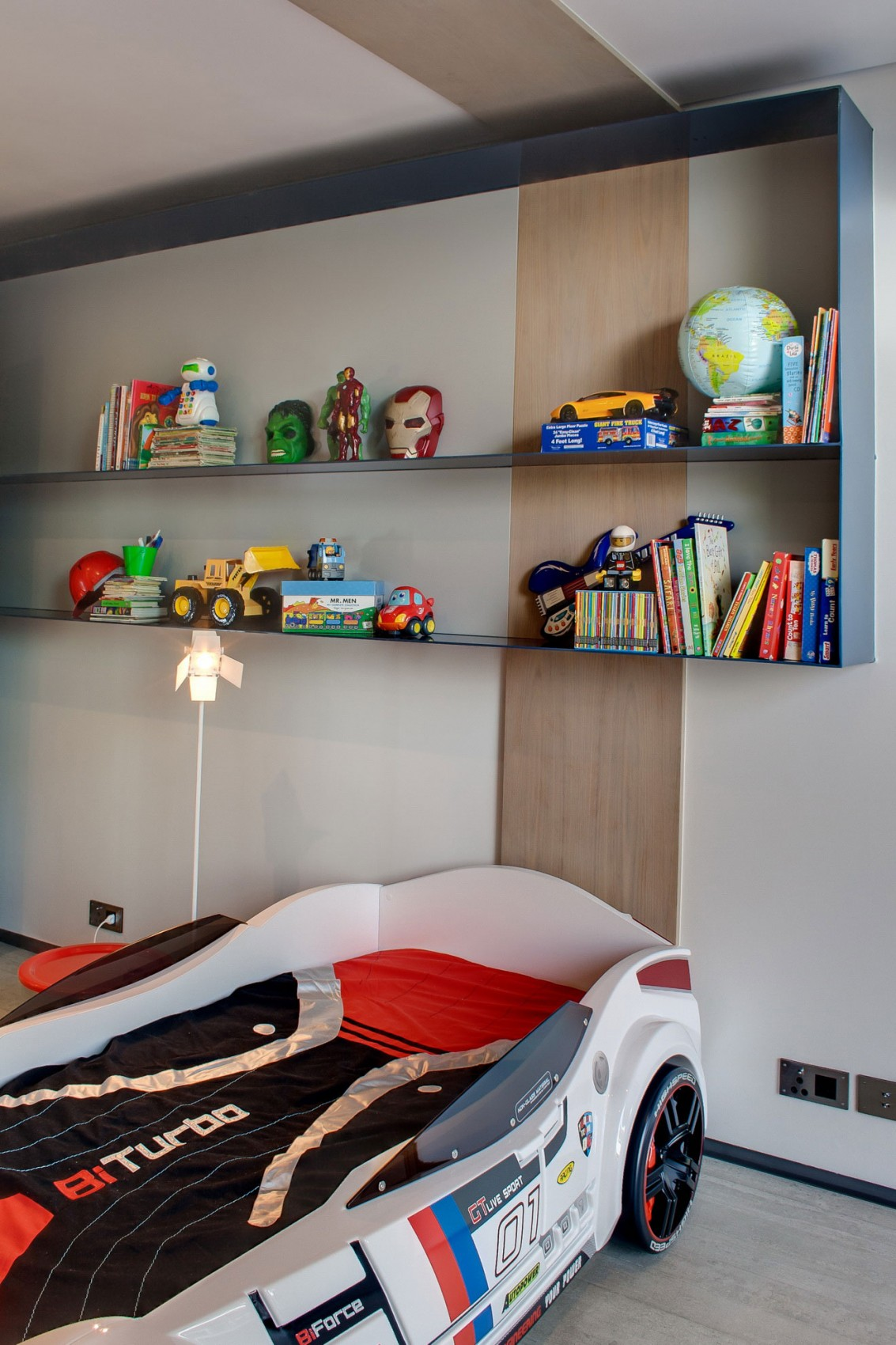Kids room in House Sar by Nico van der Meulen Architects