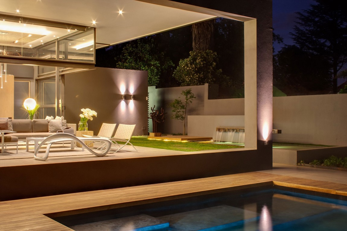 Terrace of House Sar by Nico van der Meulen Architects