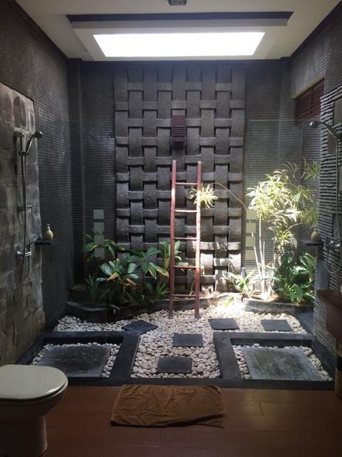 stones on shower floor