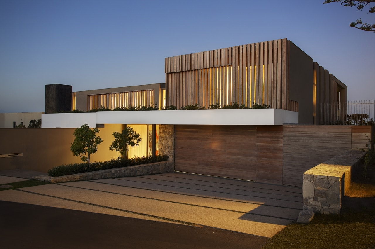 Wooden Facade: Modern House Design By SAOTA