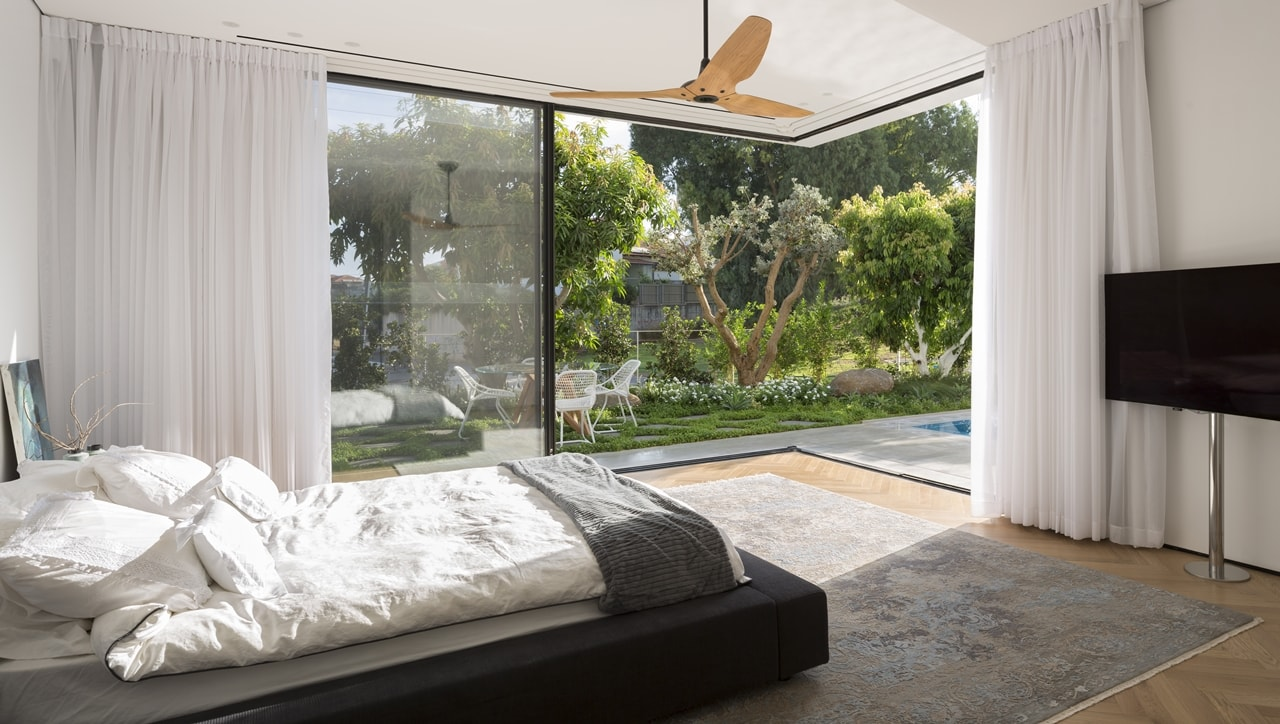 Sliding glass wall used for remarkable indoor outdoor for Sliding glass walls