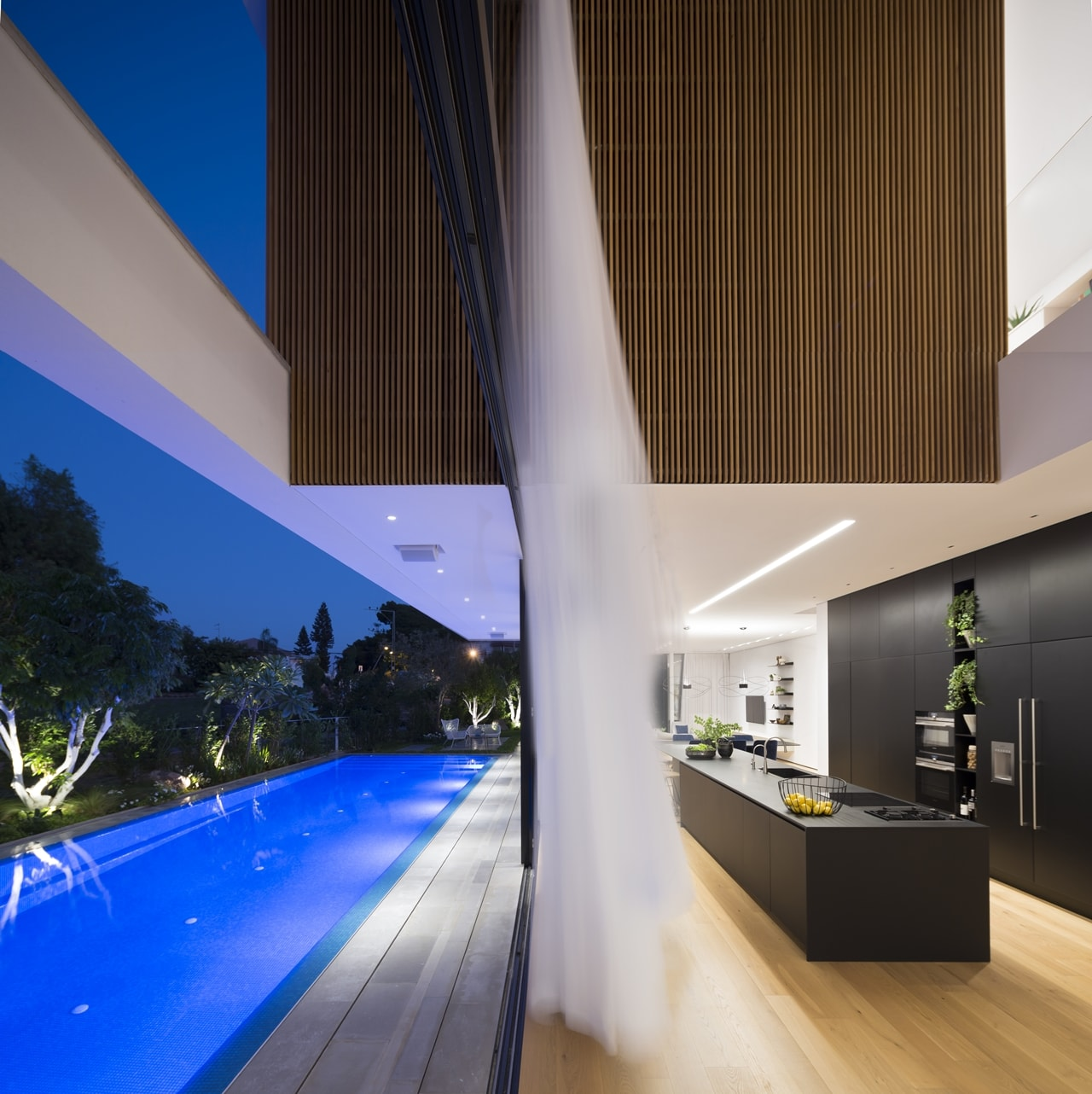 Top 50 Modern House Designs Ever Built: Sliding Glass Wall Used For Remarkable Indoor-Outdoor