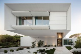 Modern Front Facade Of A Modern Home Designed By Visioarq