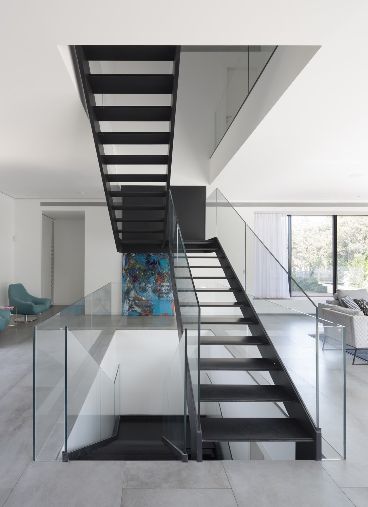 Simple Modern House with an Amazing Floating Stairs Architecture Beast